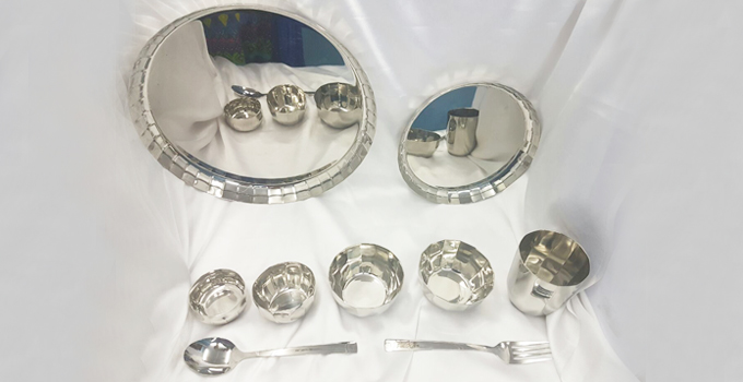 Dinner Set and Vessels